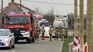 Bestuurder (56) overleden na botsing op stilstaande tankwagen voor mesttransport