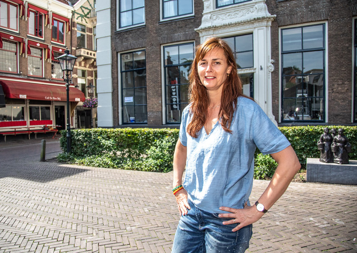Eigenaresse Elles Hetebrij begint nieuw restaurant, récht tegenover café de Hete Brij.