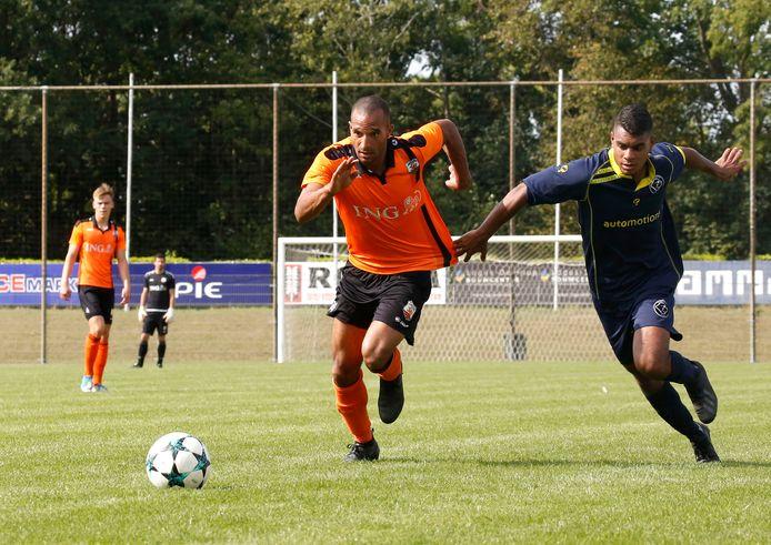 Terneuzense Boys (oranje shirts) ging zaterdag met 0-3 onderuit tegen WNC.