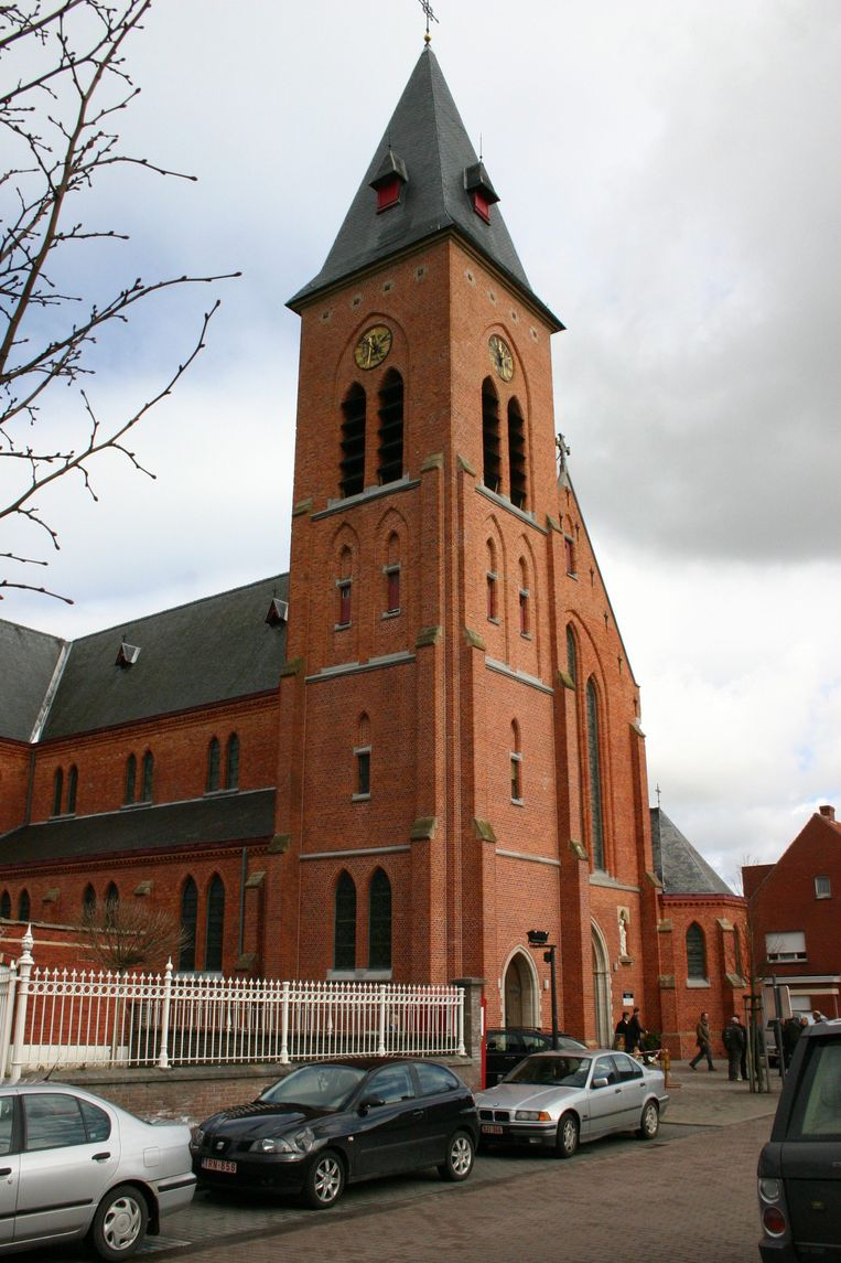 Belzele Evergem : 30miljoen oude Belgische Franken investeren in kerk