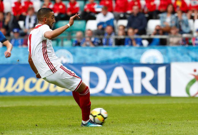 Hakim Ziyech benut de strafschop: 0-2.