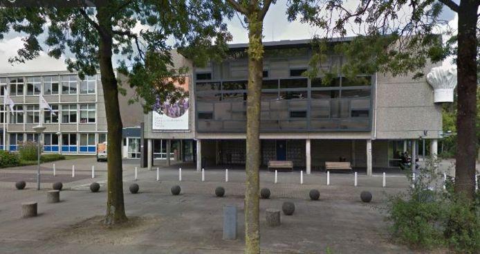 Dit gebouw, met de koksmuts aan de gevel, aan de Marijkeweg in Wageningen wordt in 2019 verlaten door de Vakschool Wageningen