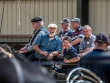 Verstandelijk gehandicapten genieten in een rijtuig