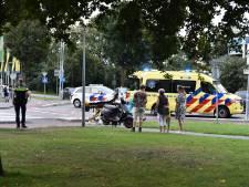 Bestuurster brommer raakt gewond bij botsing in Vaassen