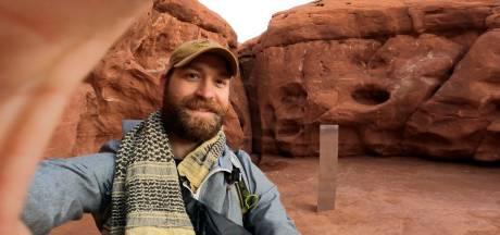 Avonturiers wagen zich aan zoektocht naar mysterieuze monoliet in woestijn