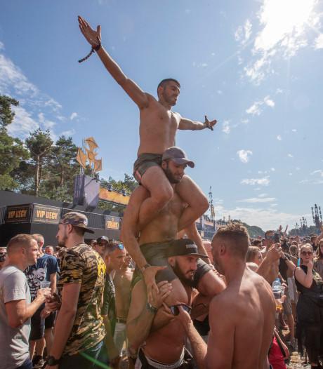 Hakken in het zonnetje bij hardcore festival Dominator op E3-strand Eersel