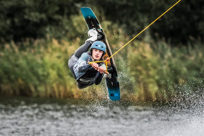 Busse Oude Egbrink 15 jaar Nederlands kampioen wakeskatecable