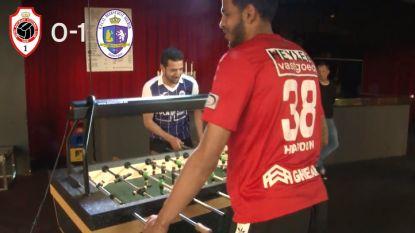 Onze videoman laat Haroun en Messoudi Antwerpse derby uitvechten aan kickertafel