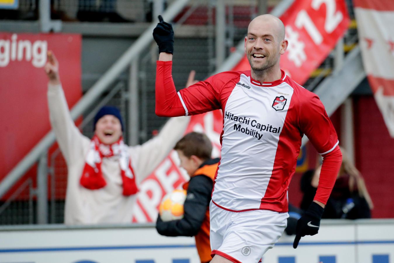 Door twee goals van Nicklas Pedersen verspeelde PSV vorig seizoen punten in Emmen.