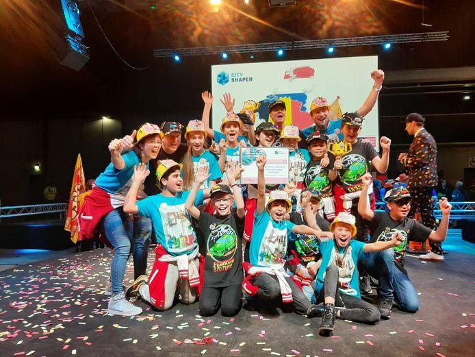 Leerlingen van de Telgenborch vieren feest. Zij sleepten prijzen in de wacht bij de BeNeLuxfinale van de FIRST LEGO League.