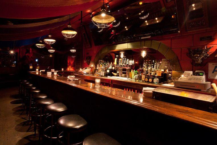 4100 Bar Beeld