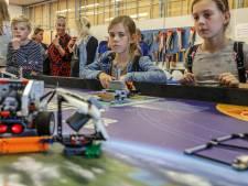 Tienerjeugd draait warm voor techniek in Steenwijk