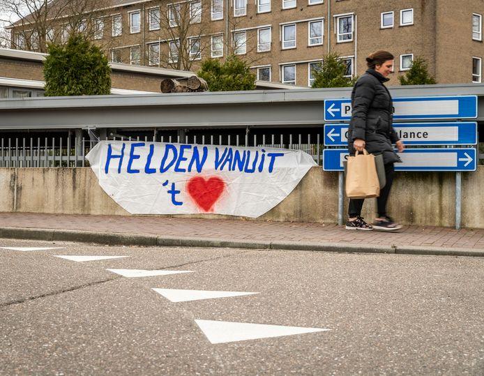 Spandoeken bij het Elkerliek ziekenhuis in Helmond.