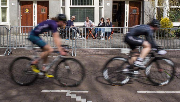 In 2017 keerde de Ronde van de Orteliusstraat al terug. Beeld Floris Lok