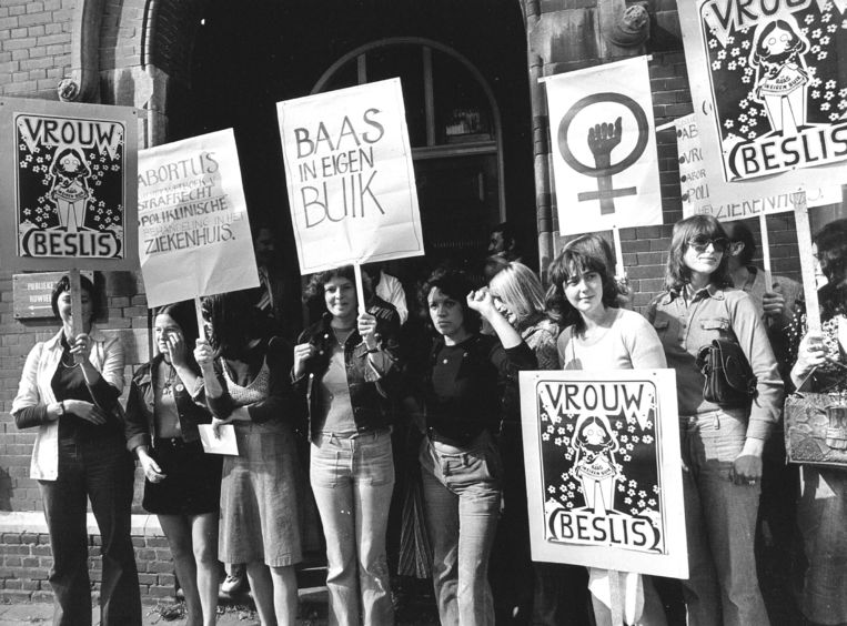 De pro-abortusactie van Dolle Mina in 1974. Beeld ANP