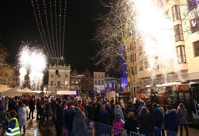Kerstmarkt Tot Middernacht Open Kortrijk In De Buurt Hln