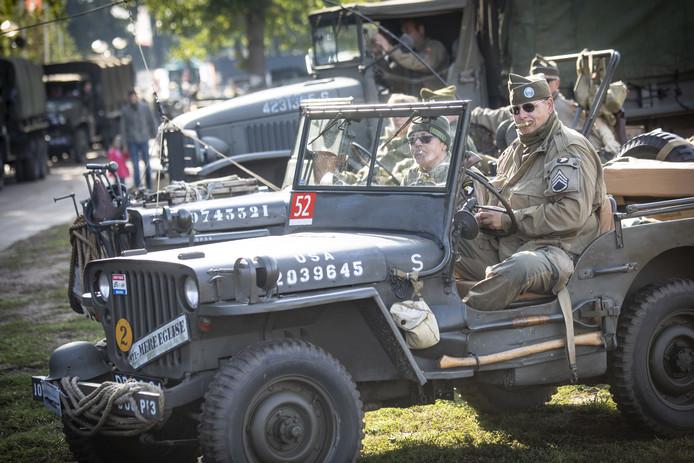 In Tholen zijn volgend jaar juni tientallen oude en nieuwe legervoertuigen te bewonderen.