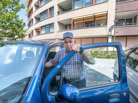 Thoolse ouderen boos: van niets naar 600 euro per jaar om de auto voor de deur te mogen parkeren