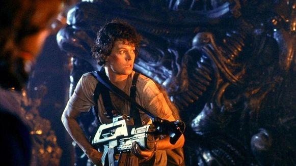 Sigourney Weaver als Ellen Ripley in 'Alien'. Zij was de inspiratie voor de dummy aan boord van de testvlucht van de Crew Falcon.