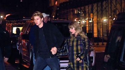 Video: Taylor Swift en liefje Joe Alwyn dansen op romantisch Ed Sheeran-nummer