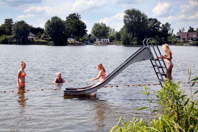 Zwemmen in De Wiel in Asperen.