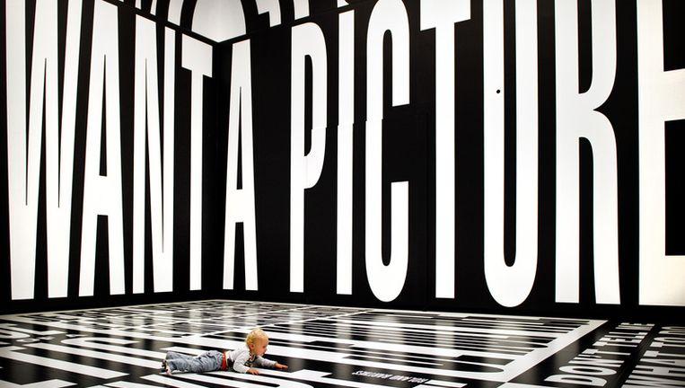 Beeld van de openingstentoonstelling van het Stedelijk Museum in Amsterdam. © anp Beeld