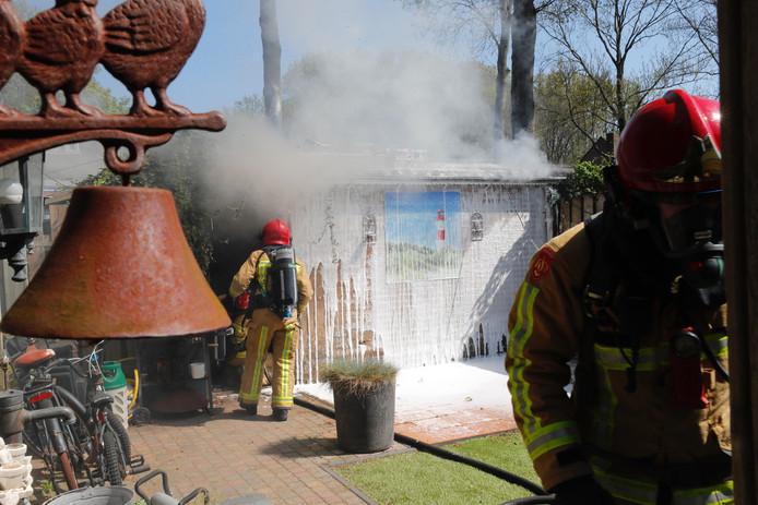 Brand in een schuur aan de Weverwei in Dommelen.