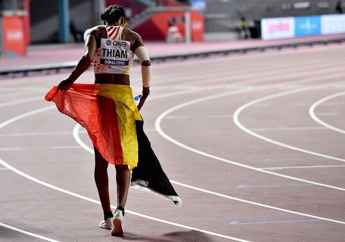 Nafi Thiam met de Belgische vlag.