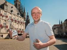 7 euro voor een flesje water: 'Doe mij maar een glaasje Gouda'