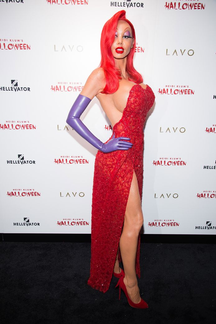 Heidi Klum, dressed as Jessica Rabbit, attends her 16th annual Halloween party, at Lavo on Saturday, Oct. 31, 2015, in New York. (Photo by Charles Sykes/Invision/AP)