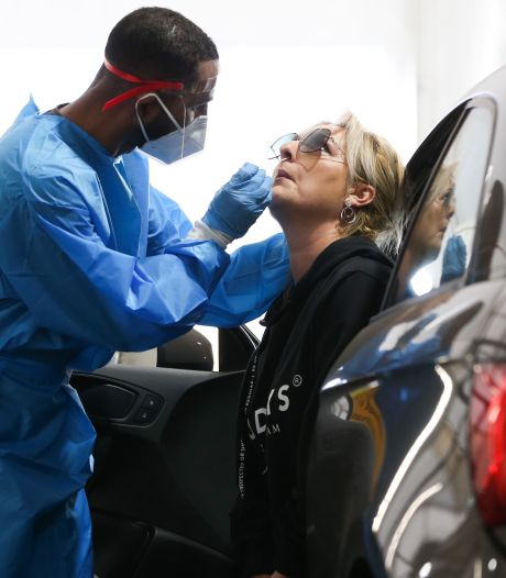 Aantal coronameldingen met ruim zestig procent gestegen, ook meer ziekenhuisopnames