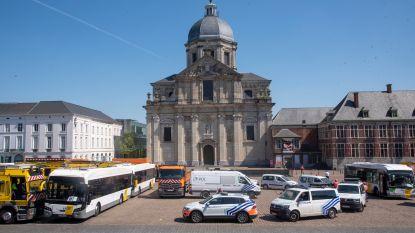 Voertuigen van De Lijn, politie, brandweer en Stad vormen hart voor de zorg