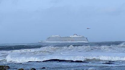 Schip op drift richting Noorse kust: 1.300 passagiers worden geëvacueerd