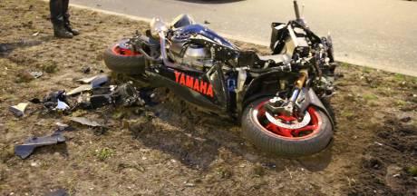 Motorrijder zwaargewond na aanrijding op Almeloplein