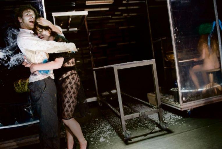 Vlnr: NNT-acteurs Peter Vandemeulebroecke, Malou Gorter, Klara Alexova. (FOTO'S REYER BOXEM) Beeld reyer boxem