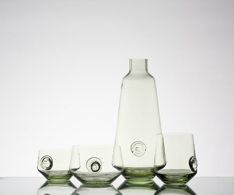 Glazen uit de collectie ZandGlas Beeld Teun van Beers