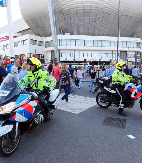 OM weerspreekt dat terreurverdachte contact had met iemand in Philips Stadion tijdens concert Guus Meeuwis
