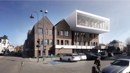 Administratieve diensten verhuizen na twee jaar opnieuw naar gemeentehuis