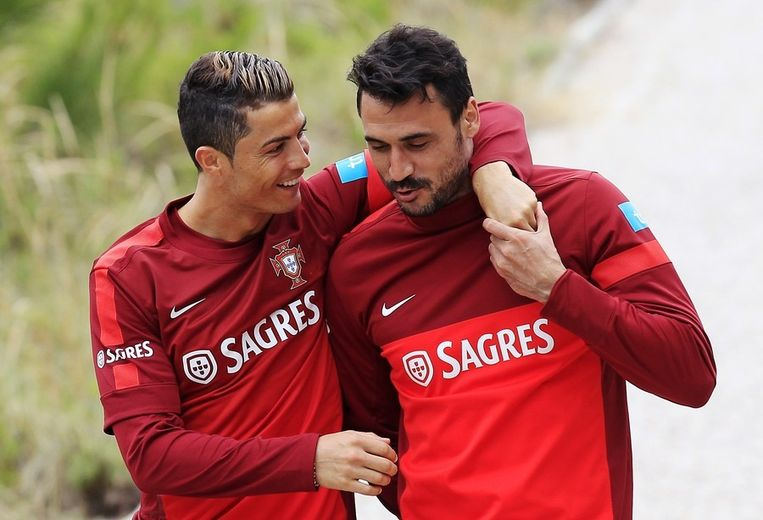 Ronaldo (links) met Hugo Almeida. Beeld reuters