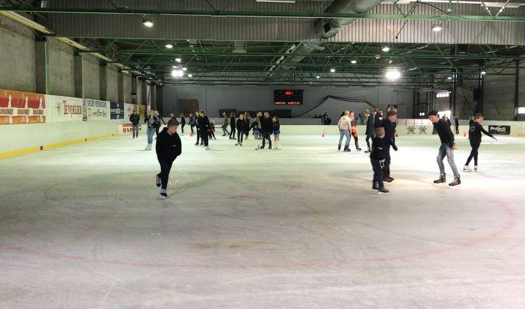 Archieffoto: schaatsers op de tijdelijke ijspiste in Turnhout.