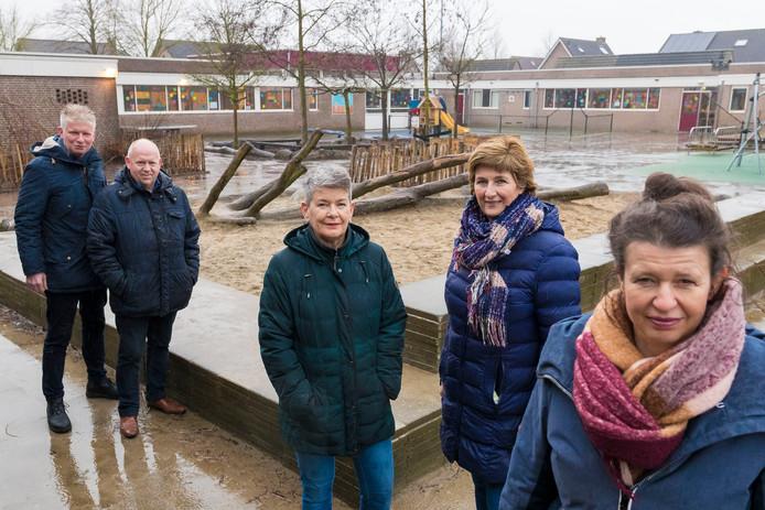 De vrijwilligers van Kansrijk Elshout: vlnr. Joost Muskens, Casper van de Brandt, Geraldine Kwetters, Christine van den Besselaar en Yvonne Simons.