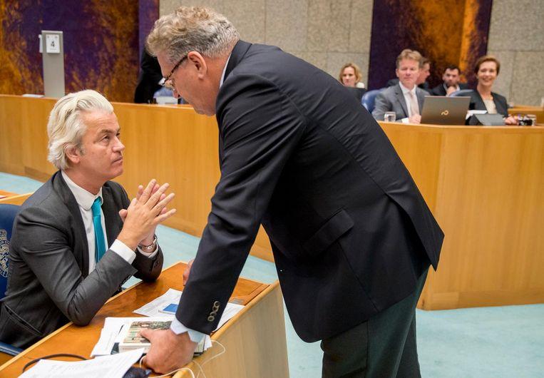 PVV-leider Geert Wilders in gesprek met 50Plus-leider Henk Krol Beeld anp