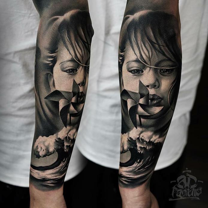 Tattoo's van A.D. Pancho, Moldavie<br />Deze tattoo-artiest is ook aanwezig op de Tattoobeurs in Breda. Hij is zeer geliefd. Volgens organisator Brian Heijboer reizen mensen uit de hele wereld naar hem toe voor een tattoo. ,,Als hij zou willen is hij de komende 25 jaar bezet.''