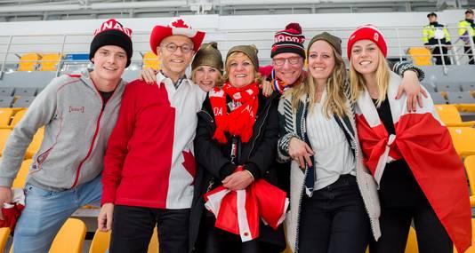 5a0322762a2 Reeuwijkse schaats-Canadees Bloemen wint goud: 'Man, dit is meer dan ...