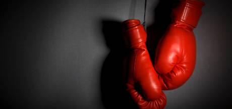 Ex-kickbokskampioen licht zwakbegaafde Hengeloër op