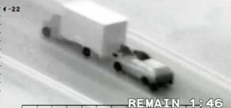 Agent toevallig getuige van ladingroof uit rijdende vrachtwagen op A15