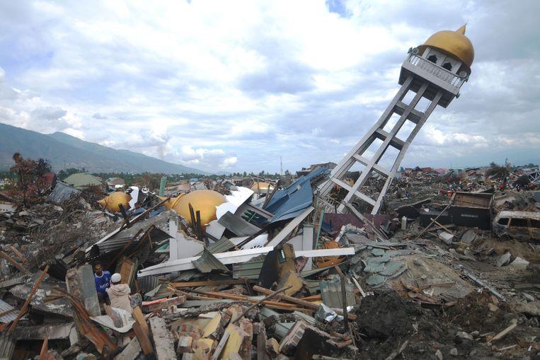 Ruim 200.000 mensen in het zwaarst getroffen gebied wachten nog op hulp.