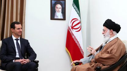 Assad brengt zeldzaam buitenlands bezoek aan Iran