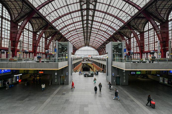 De verdachten waren vooral actief op de trein en in het Centraal Station van Antwerpen.