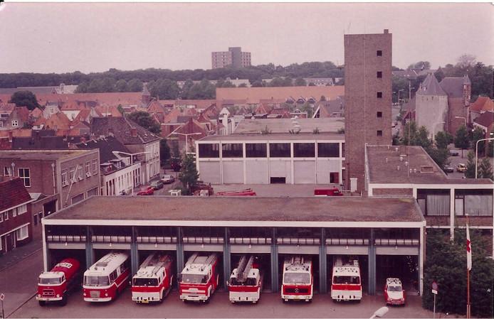 In 1963 streek de brandweer neer op het kazerneterrein op de kop van de Westersingel. Het grondperceel is nu de inzet van een heftig debat over de plannen van zorgontwikkelaar Fivente. De brandweerkazerne werd in 2014 gesloopt.